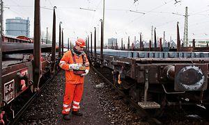 DB Cargo AG Mitarbeiter im Rangierdienst